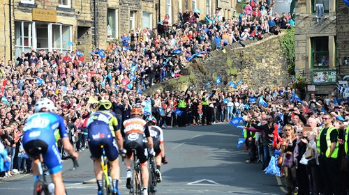 Tour de Yorkshire crowds image